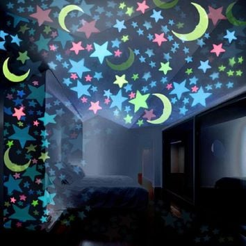 Wall Stickers 3D Luminous Stars and Moon  Wall Sticker Glow In The Dark Stars for Kids Baby Room Art Home Decoration Decal Toys