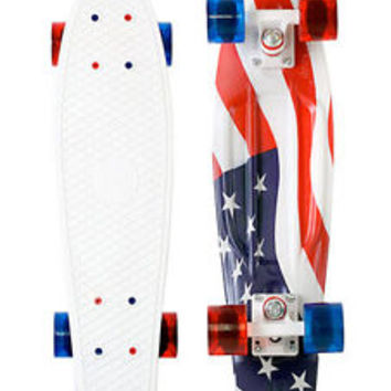Penny 22 American Flag USA 4th of July Graphic Series Complete Skateboard