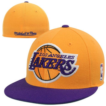 Mitchell & Ness Los Angeles Lakers XL Current Logo Fitted Hat - Gold