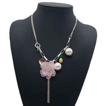 Pearl acrylic Flower Pendant  Vintage Flower Crystal Chain Choker Necklace