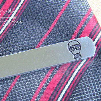 Gas Mask Tie Clip, Engraved Tie CLip, Custom Tie Clip, Personalized Tie Bar, Cool Guy Gifts, Steampunk Mask, Alternative Wedding, Industrial