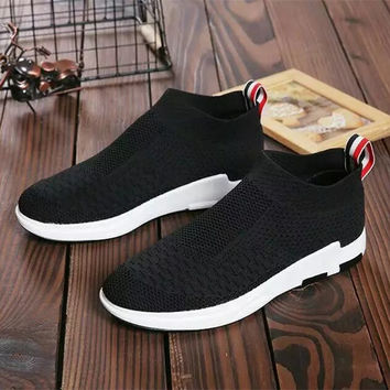 Fashion Casual High Help Shoes Male Female Breathable Comfortable Fly Weave Sneakers Running Shoes Socks Shoes