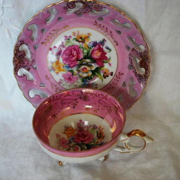Vintage footed tea cup white and pink with roses , Tea cup and saucer in porcelain from  Japan