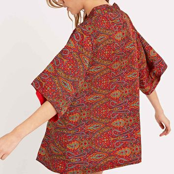 Urban Renewal Vintage Remnants Reversible Sari Silk Kimono in Red - Urban Outfitters