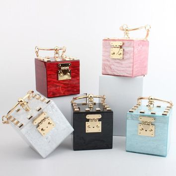 New Designer Square Acrylic Clutch Evening Bag Metal Wristlets Mini Totes Party Bag Ladies Handbag Trunk Shape Diamond Bag Purse