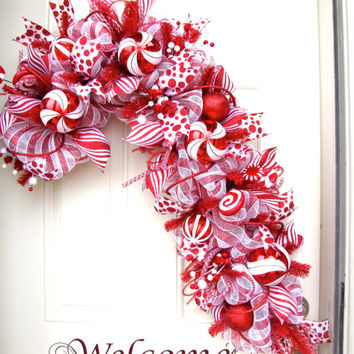 XXL Deluxe Christmas Red and White Candy Cane Holidays Indoor Outdoor Deco Mesh Seasonal Wreath!