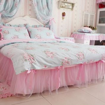 Princess Bed Linens. Sweet pink & lace duvet cover set. 100% cotton room