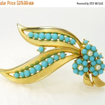 Crown Trifari Turquoise Bead & Pearl Brooch