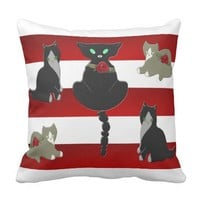 Picturesque Cats Pattern Throw Pillow