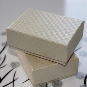 PRO Jewelry storage box high end jewelry boxes  9.5*7.5*3.8cm custom packaging boxes classic black diamond pattern necklace box
