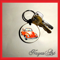 Keychain personalized VW Beetle. Accessories VW keyring. White Wood Handmade Keyring Keychain. Unique keychain Wooden natural slice gift