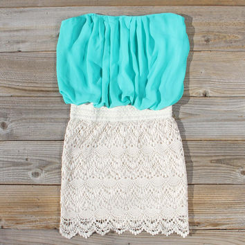 Bewilder Lace Dress in Sea