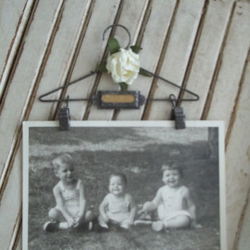 Vintage Inspired Mini Picture Hanger
