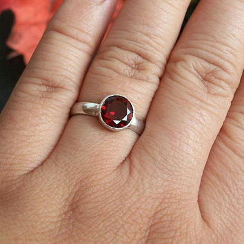 Garnet Ring - Stack ring - Cabochon ring - Rose cut ring - January birthstone - Sterling silver ring - Christmas gift idea