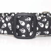 Black and White Skulls Halloween Dog Collar