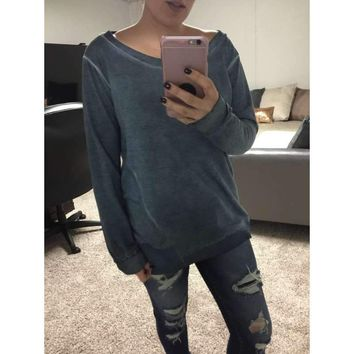 Last Chance Oversized neck distressed sweater N1