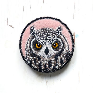 Owl , brooch , needle felted , embroidered , animal ,felt ,