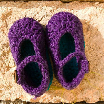 Toddler Maryjane slippers with strap and wooden buttton, for 2 years old kid, 22- 23 EU size, handmade crochet item, purple with turquoise