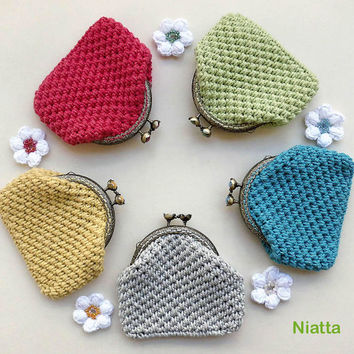 Flower Kiss Clasp Coin Purse Antiqued Bronze Metal Frame Crochet Niatta