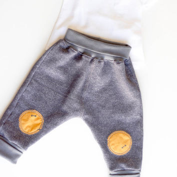 Baby harem pants | Organic french terry | Baggy pants | Hipster baby clothing | Unisex clothing. 3 - 12 months | You pick patches.
