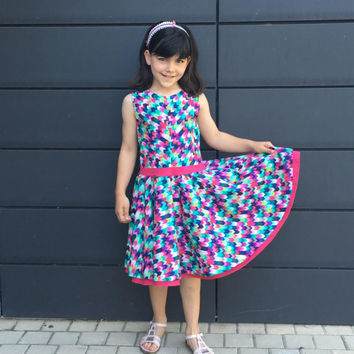 Girls Dress Pattern PDF mod. Rachel – Sizes 2 to 8 years with circle skirt and cross back without buttons or zips