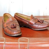 Vintage penny loafers / Mens 7E /  Womens 9.5 / EU 40 /  brown leather tassel loafers /  Allen Edmonds Maxfield handcrafted loafers USA