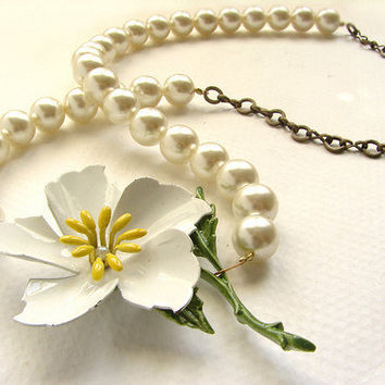Vinage white flower pearl necklace, mothers day gift, OOAK vintage enamel magnolia brooch pearl mad man wedding jewelry