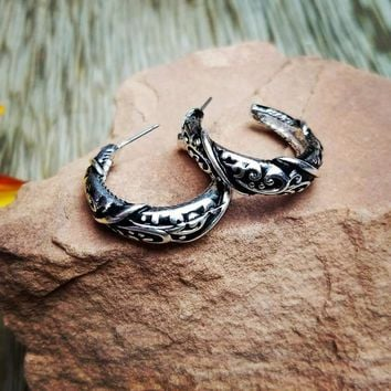 Filigree Texture Hoop Earrings