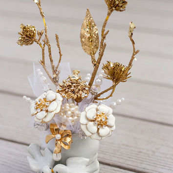 Brooch Bouquet Cake Topper Ceramic Doves Enamel Flower Pearl cream Gold tulle rhinestone bow bling Wedding Bridal Vintage Love Birds