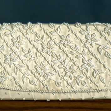 Vintage 1950's Seed Beads and Pearl Cocktail Clutch Purse Made in Hong Kong