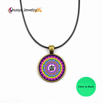 Mandala Pendant Necklaces Glowing S&Y 2017 New Fashion Glass Necklaces & Pendants Glow In Dark Waomen Necklaces Jewelry