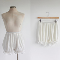 Vintage 50s White Ruffled Bloomers | small medium
