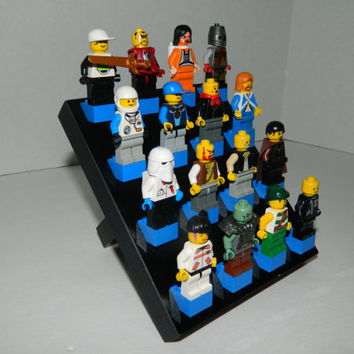 Display stand for LEGO minifigure