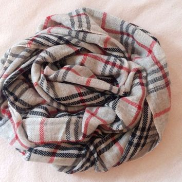 Authentic 100% Cashmere scarf, NEW, burberry pattern, handmade, from Nepal
