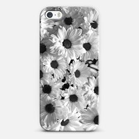 Daisy Chaos iPhone 5s case by Micklyn Le Feuvre | Casetagram