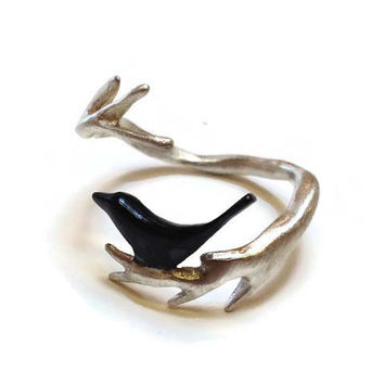 Chee-Me-No Jewelry - Twig with Bird Ring