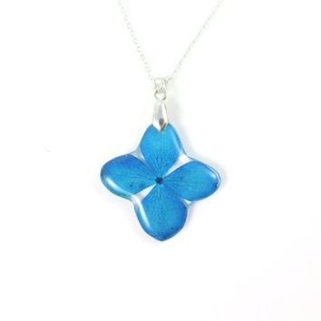 Handmade Flower Resin Pendant - Real Pressed Flower Encased in Resin,  Botanical Necklace,Floral jewelry, Blue Hydrangea jewelry