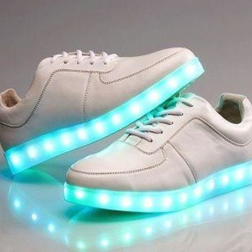 Trending Fashion Casual Sports Shoes LED White H Z