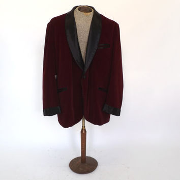 Authentic Vintage Mens 1960s Monarch HC Red Velvet Smoking Jacket Suit Coat Burdundy Blazer Size XL Christmas Santa Clause Tuxedo Suit Coat