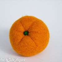 Play food orange. Educational toy. Kitchen decor. Waldorf. Handmade. Needle felted. 100% wool.