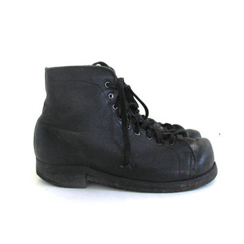 Vintage black leather lace up combat boots / grunge boots / steampunk shoes / women's size 9