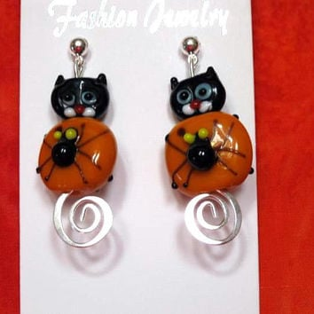 Halloweent Earrings,  Dangle, Spider and Black Cat Lampwork glass, Quailty Silver Tone findings, Hypoallergenic Earring post