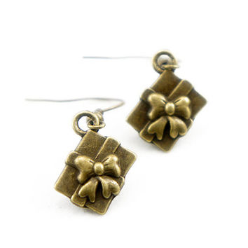 Tiny Box of Gift - Vintage Style Antiqued Brass Dangle Earrings - CP030