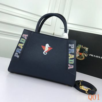 HCXX 19Aug 929 Prada 82506 Print Zipper Handbag Fashion Casual Frame Bag 30-20-11cm