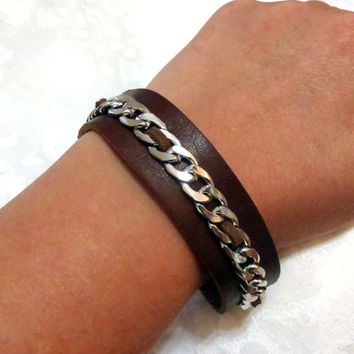 Leather Chain Cuff racelet - medium oiled leather strap bracelet with silver curb chain detail - elegant but rugged - modern, shiny silver
