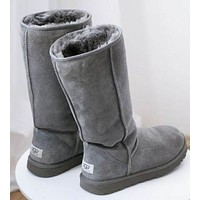 UGG classic wool high boots F Grey
