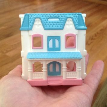 1994 Fisher Price Loving Family Dollhouse Miniature Toy Collectible