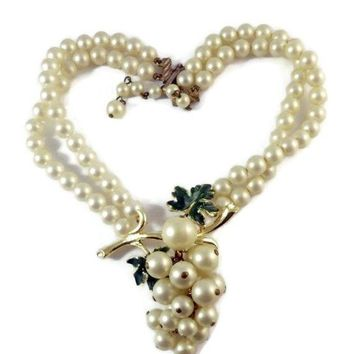 Vintage Signed Coro Pearl Grape Cluster Dangle Enamel Leaf Bib Necklace