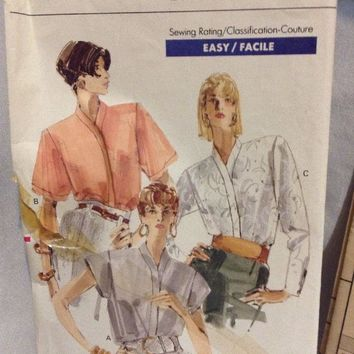 7258 Vintage Vogue Sewing Pattern Misses Blouse Easy 8-10-12 uncut