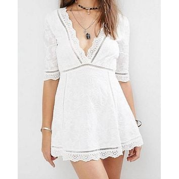 honey punch - off duty plunging festival women's dress - white